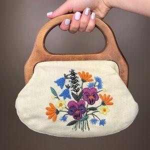 Vintage Floral Embroidered Handbag wooden handle